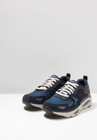 Skechers - VERRADO RELAXED FIT - Sneaker low - navy - 2