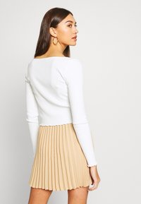 Miss Selfridge - BUTTON TRHOUGH - Long sleeved top - white - 2