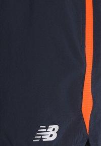 New Balance - ACCELERATE - Träningsshorts - blue/orange - 5