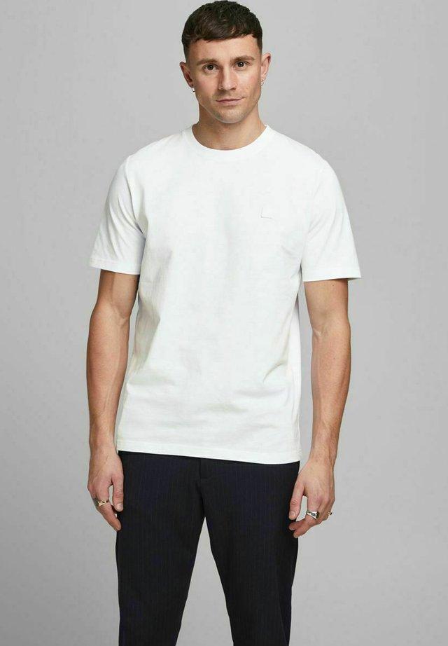T-shirt basic - white/reg fit