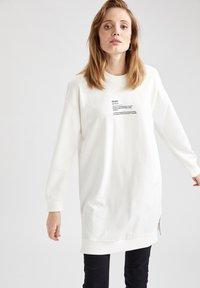 DeFacto - Sweatshirt - ecru - 0