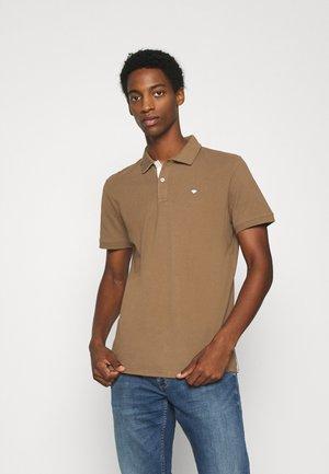 BASIC - Polo shirt - brown oak