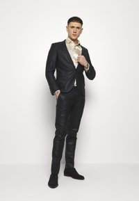 Twisted Tailor - KARNES  SUIT - Completo - black - 3
