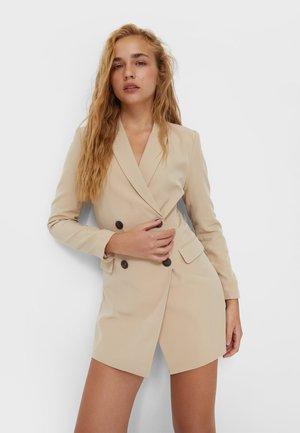 Krátký kabát - stone