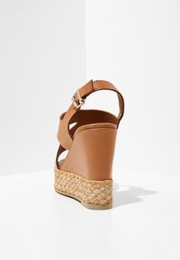 Inuovo - High heeled sandals - coconut ccn - 3