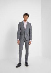 HUGO - ASTIAN HETS - Suit - open gry - 0
