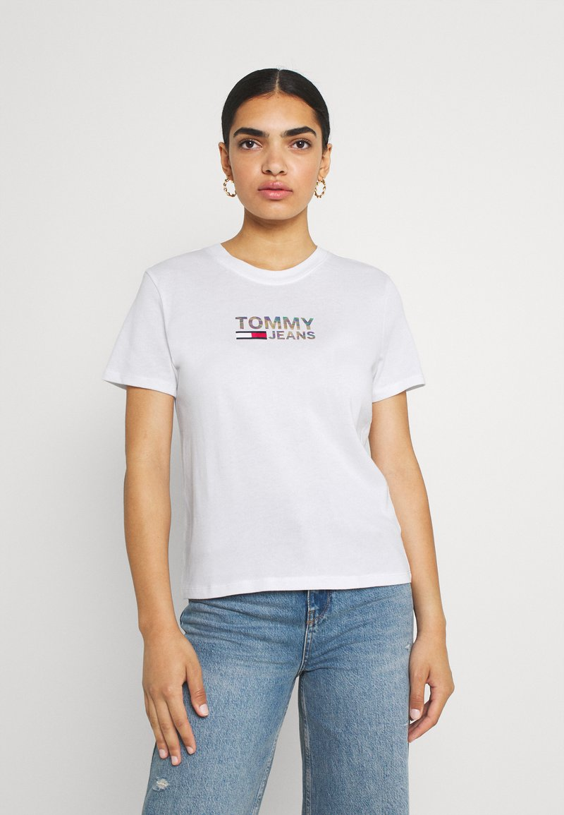 Tommy Jeans - METALLIC CORP LOGO TEE - T-shirt con stampa - white
