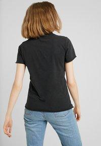 ONLY - ONYZOE BOX  - Print T-shirt - black - 2
