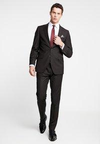Bugatti - SUIT REGULAR FIT - Suit - dark brown - 0