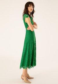 IVY & OAK - FLARED DRESS CAP SLEEVE - Occasion wear - secret garden green - 3
