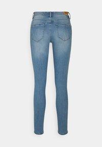 ONLY - ONLWAUW LIFE - Jeans Skinny Fit - light medium blue denim - 1