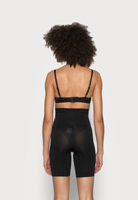 Cotton On Body - SMOOTHER SHAPER HIGH WAIST SHORT - Shapewear - black - 2