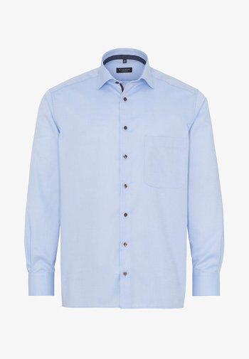 COMFORT FIT - Skjorter - blue