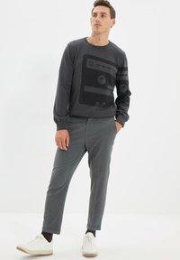 Trendyol - PARENT - Pantalon classique - grey - 1