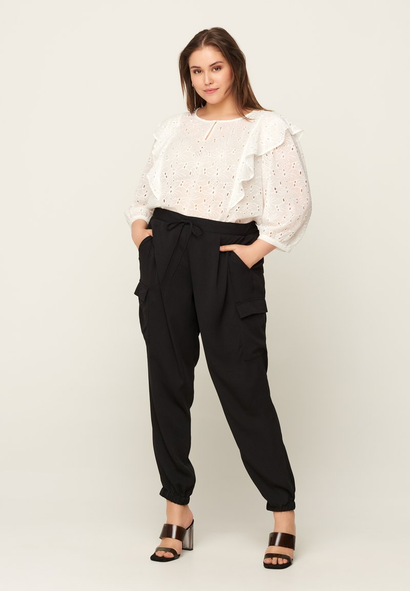 Zizzi - WITH POCKETS - Tracksuit bottoms - black