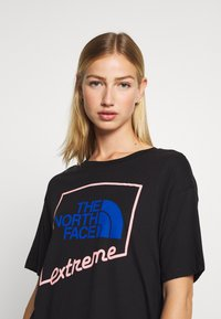 The North Face - EXTREME CROP TEE - Print T-shirt - black - 3