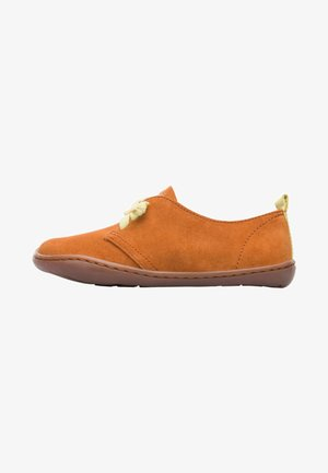 PEU  - Sznurowane obuwie sportowe - brown