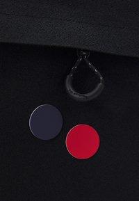 pinqponq - CUBIK MEDIUM UNISEX - Rucksack - licorice black - 3