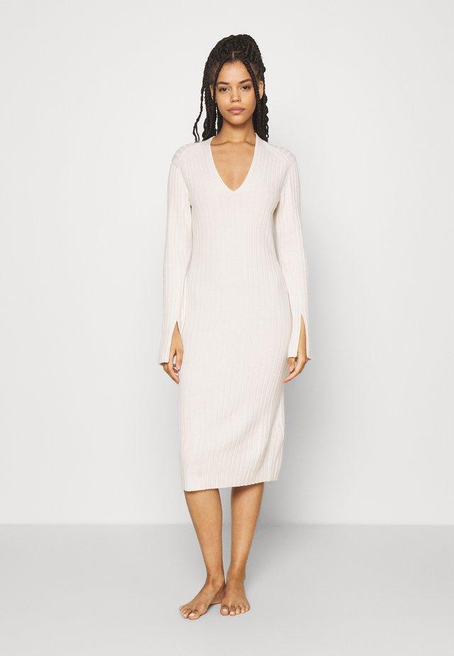 DRESS - Negligé - offwhite