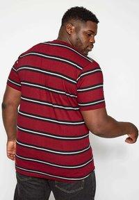 BadRhino - Print T-shirt - red - 2