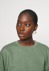 Abercrombie & Fitch - CREW - Sweatshirt - green - 3
