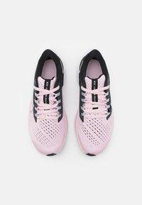Nike Performance - AIR ZOOM PEGASUS 38 UNISEX - Závodní běžecké boty - pink foam/metallic silver/black/dark smoke grey - 3