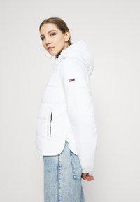 Tommy Jeans - SIDE SLIT JACKET - Light jacket - white - 3
