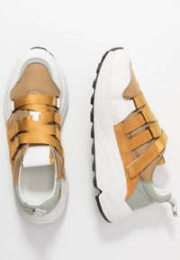 CLOSED - SPICY - Zapatillas - bamboo - 2