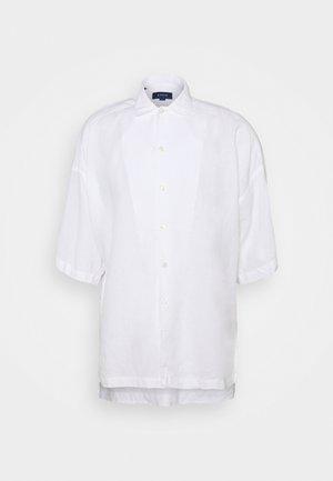 BOX FIT BOX FIT SHIRT - Shirt - white