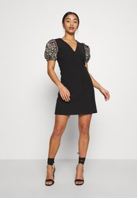 Lost Ink Petite - SLEEVE DETAIL MINI DRESS - Robe d'été - black - 2