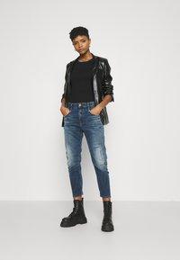 Diesel - D-FAYZA-NE - Relaxed fit jeans - medium blue - 1