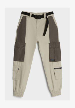 CARGOHOSE MIT KONTRASTEN 00348019 - Cargo trousers - grey