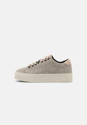 HOOK - Sneaker low - vista/off white