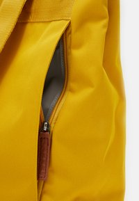 Lässig - GREEN LABEL BACKPACK ADVENTURE SET - Rugzak - lemon curry - 4