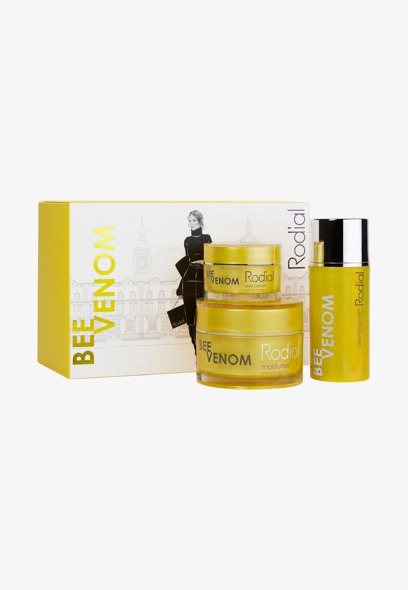 Rodial - BEE VENOM COLLECTION - Skincare set - -