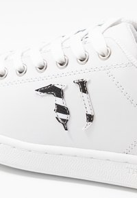 Trussardi Jeans - Baskets basses - white - 2
