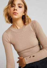 Missguided - BUTTON CUFF CREW NECK - Sweter - sand - 3