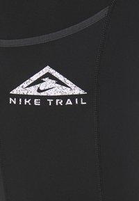 Nike Performance - EPIC LUXE SHORT - Punčochy - black/moke grey - 5
