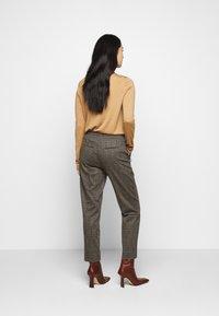 DRYKORN - ACCESS - Trousers - braun - 2