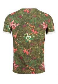 Key Largo - MT JUNGLES - Print T-shirt - olive - 1