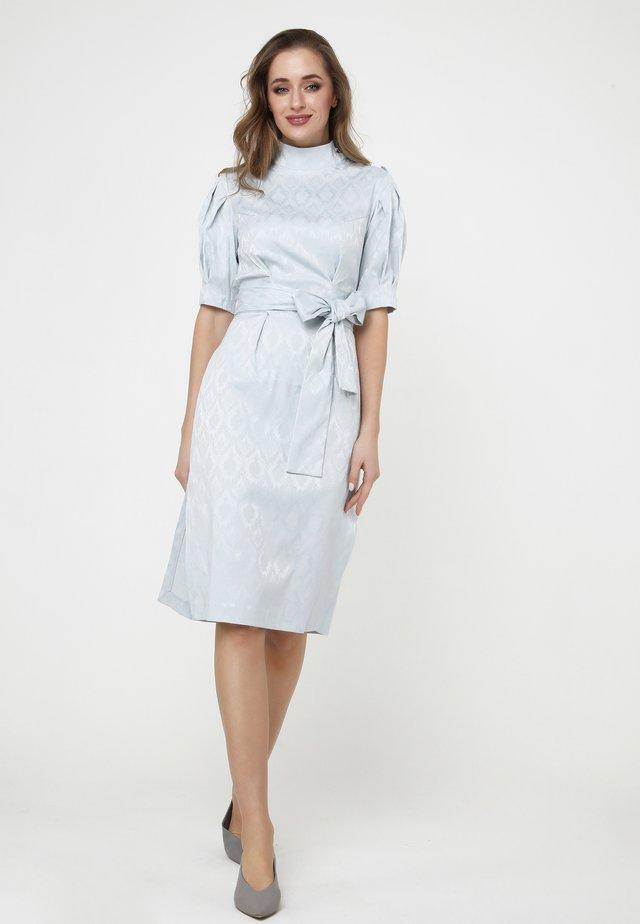 Pouzdrové šaty - grau-blau
