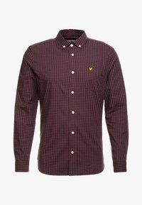 Lyle & Scott - SLIM FIT GINGHAM  - Shirt - berry/true black - 3