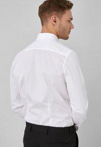 Next - COTTON SHIRT-SLIM FIT DOUBLE CUFF - Camicia elegante - white - 1
