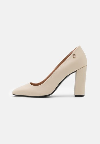 SQUARE TOE - Classic heels - classic beige