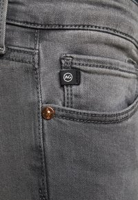 AG Jeans - ANKLE - Jeans Skinny Fit - gray light - 4
