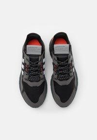 adidas Originals - NITE JOGGER UNISEX - Tenisky - footwear white/grey six/acid mint - 5