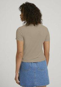 TOM TAILOR DENIM - TEE - Print T-shirt - dune beige - 2