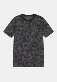 Nike Sportswear - FUTURA - T-shirt med print - iron grey - 0