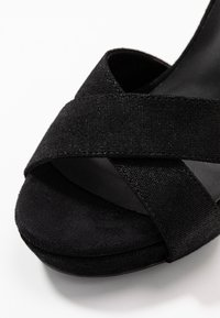 KARL LAGERFELD - SOIREE LOVE CROSS SANDAL - Korolliset sandaalit - black - 2