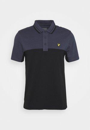 KENDALL - Koszulka sportowa - true black